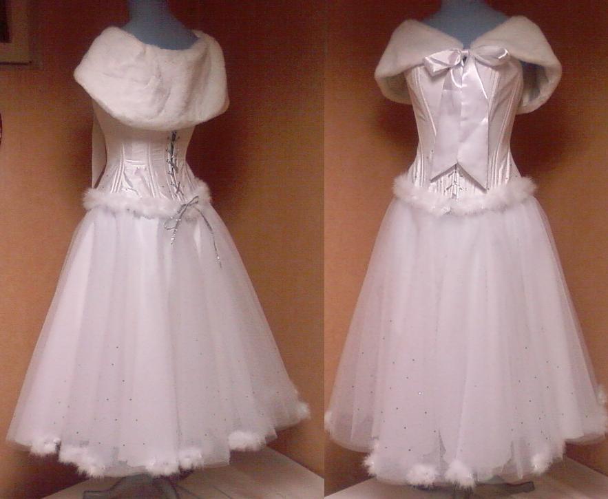 Mariage d hiver robes de mari e et corsets depuis 2006 for Robe et manteau pour mariage d hiver